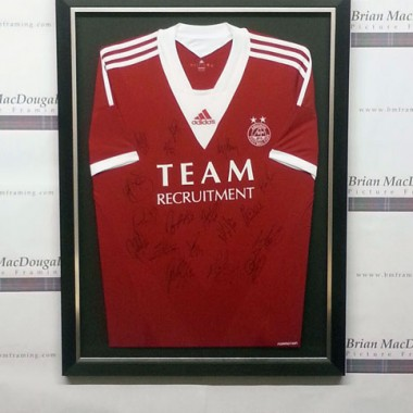 Framed football tops - Aberdeen